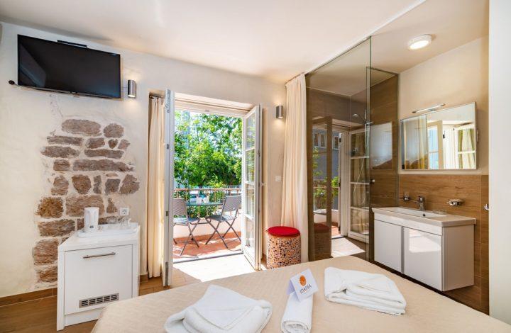 Idassa Palace – Doppelzimmer mit Balkon (dependance)
